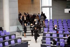 Abgeordnete verlassen Bundestag